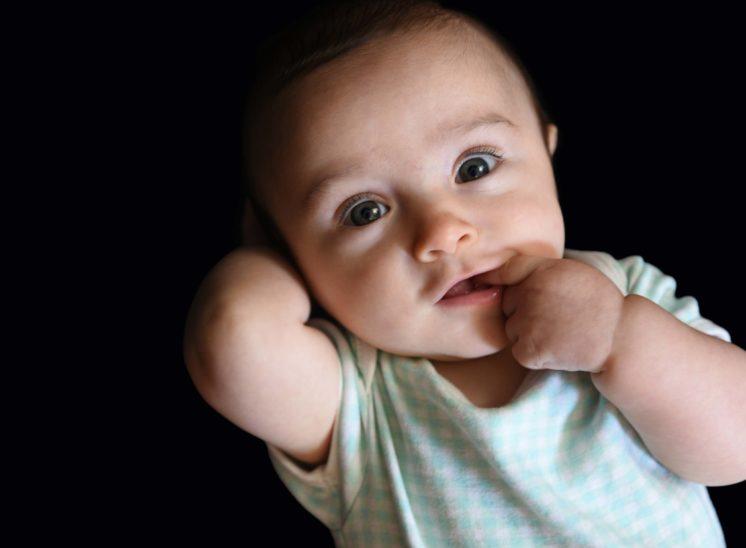photo bébé rigolo hautes alpes