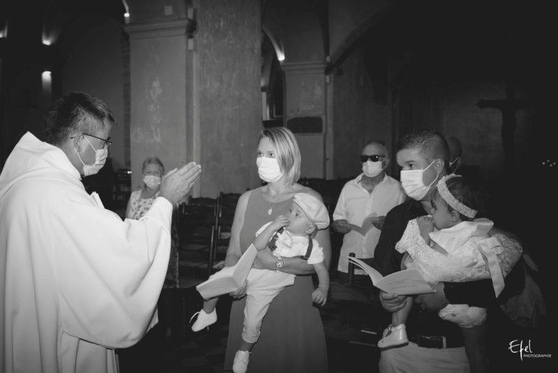 Baptême enfant à l'église