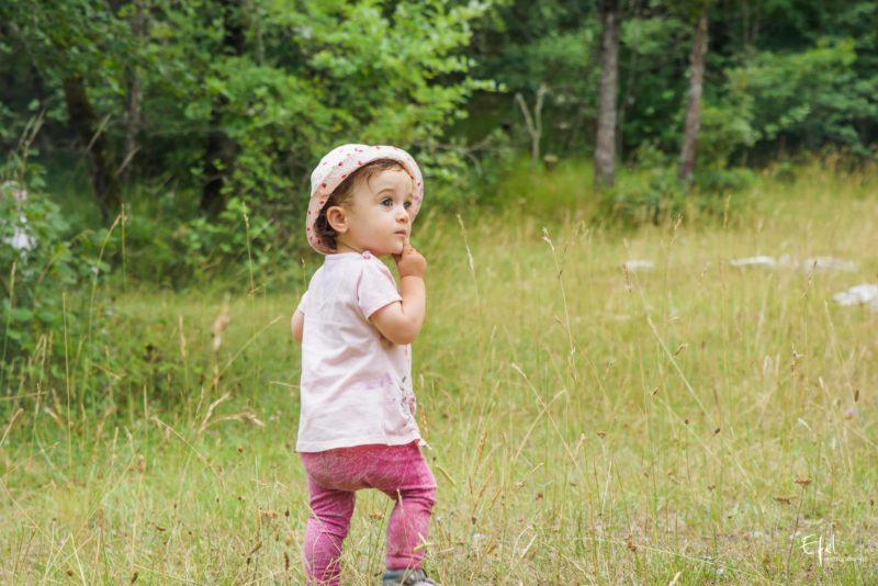 photo bébé découvre la nature photographe gap