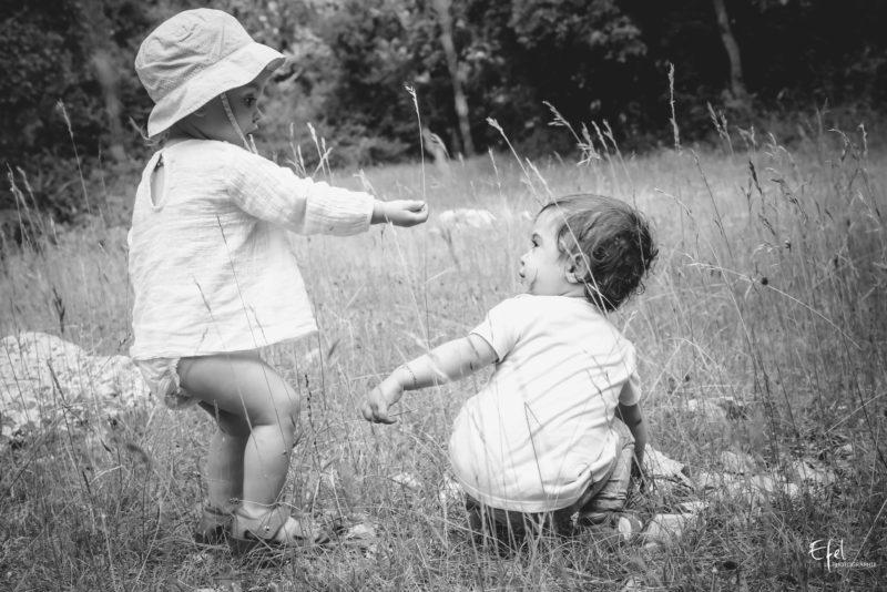 complicité entre bébé photographe famille Gap