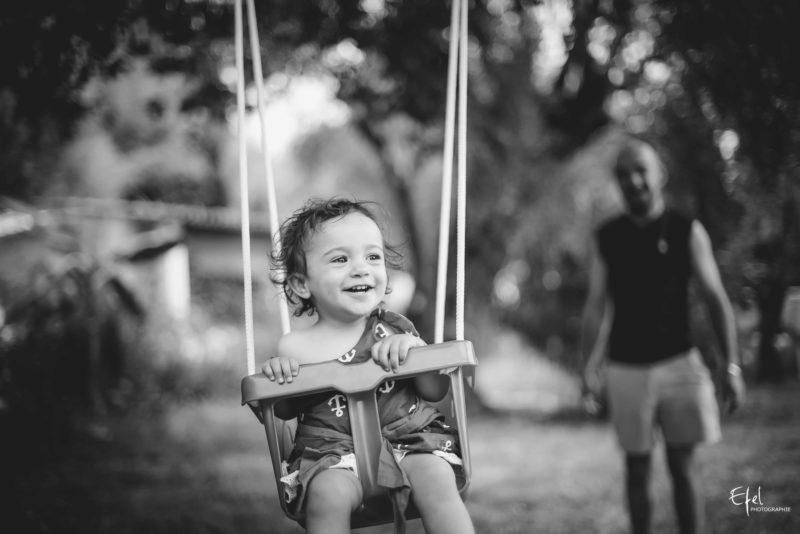 seance lifestyle famille avec bébé à domicile a Gap