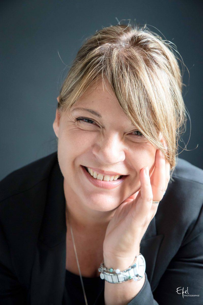 portrait photo femme souriante photographe gap