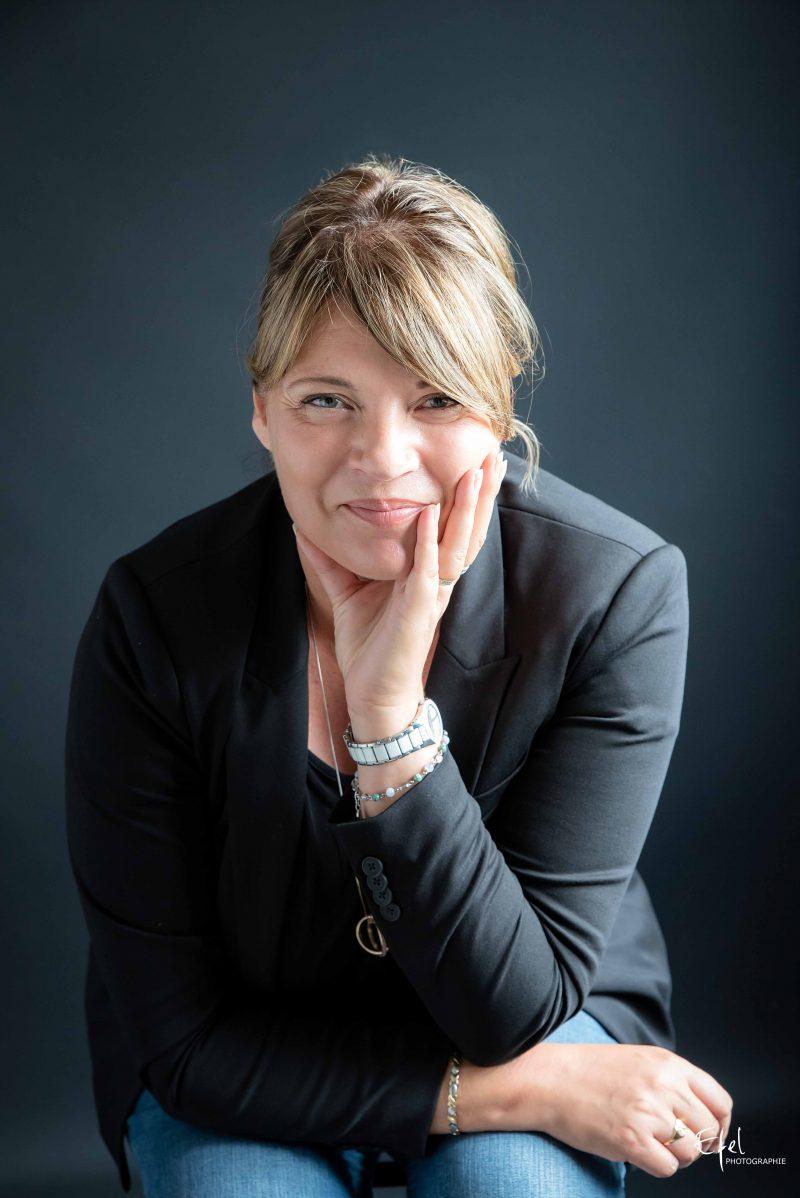 portrait entreprise femme entrepreneur photographe hautes alpes