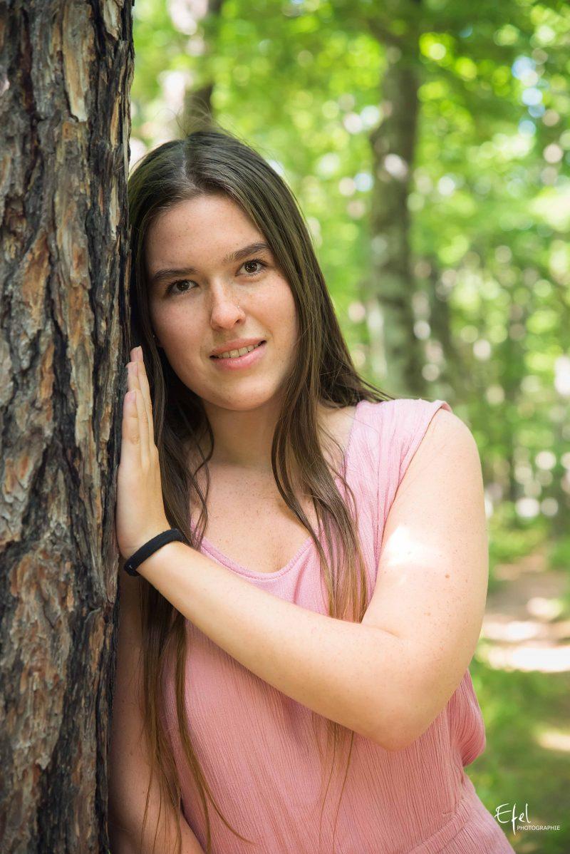 portrait photo en nature près de serre ponçon