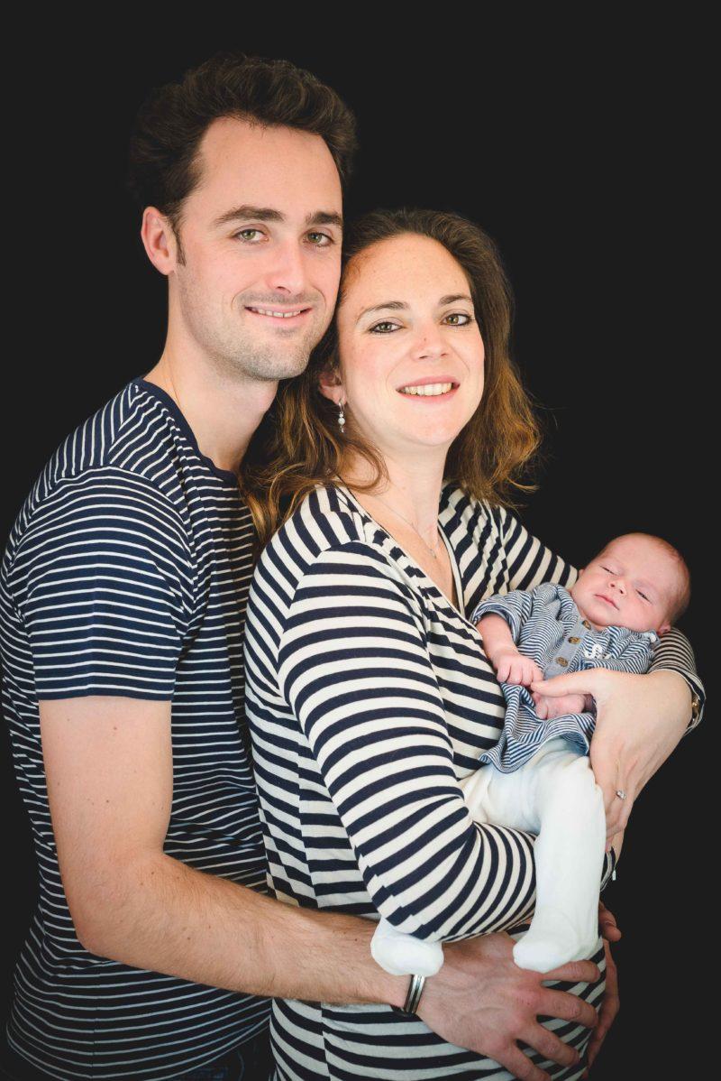parents et nouveaux nés photographe hautes alpes