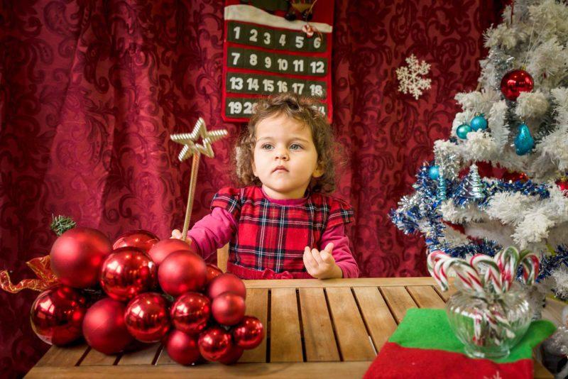enfant photo de Noel avec baguette magique
