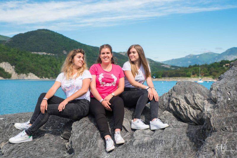 Séance photo entre filles avant un mariage photographe hautes alpes