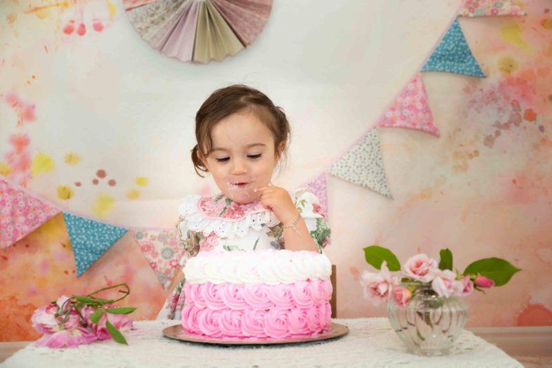 shooting photo bébé 1 an et son gâteau d'anniversaire photographe bébé gap