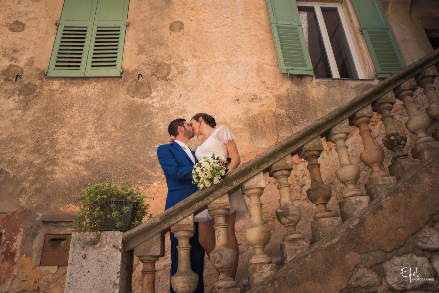 Shooting couple de mariage dans le village de Provence de Tourrettes-sur-Loup sur loup - photographe mariage hautes alpes et alpes maritimes
