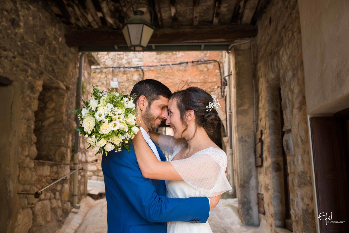 Shooting couple de mariage réalisé à Tourrettes-sur-Loup sur Loup - photographe de mariage à gap et dans les alpes maritimes