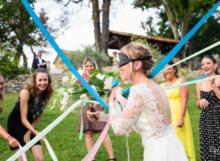 Qui aura le bouquet de la mariée - mariage hautes alpes