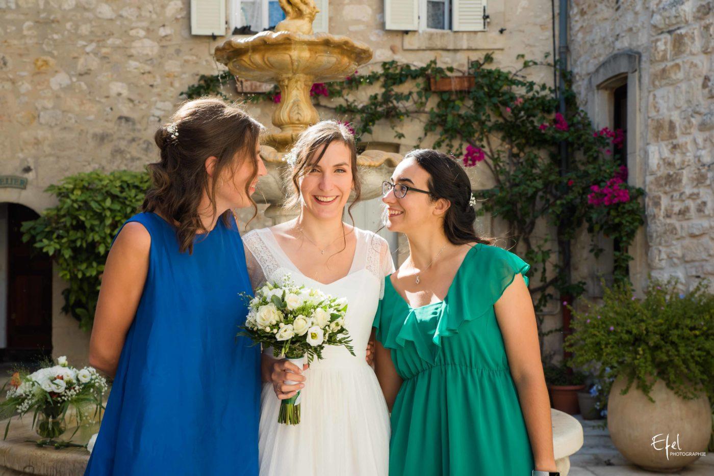 La mariée et ses témoins - mariage dans les hautes alpes près de gap et en Provence