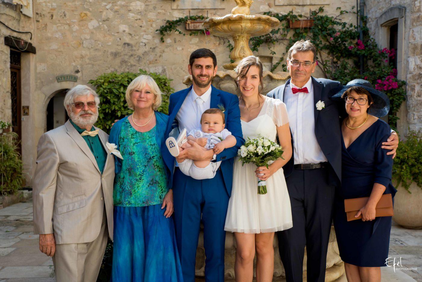 Les mariés et leurs parents - reportage de mariage dans les hautes alpes et en Provence