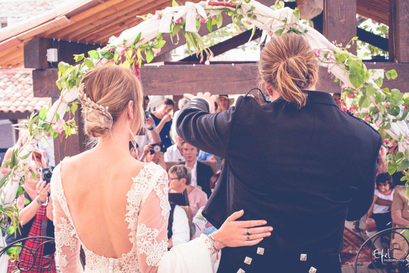 discours des mariés pendant la cérémonie laïque - photographe mariage embrun