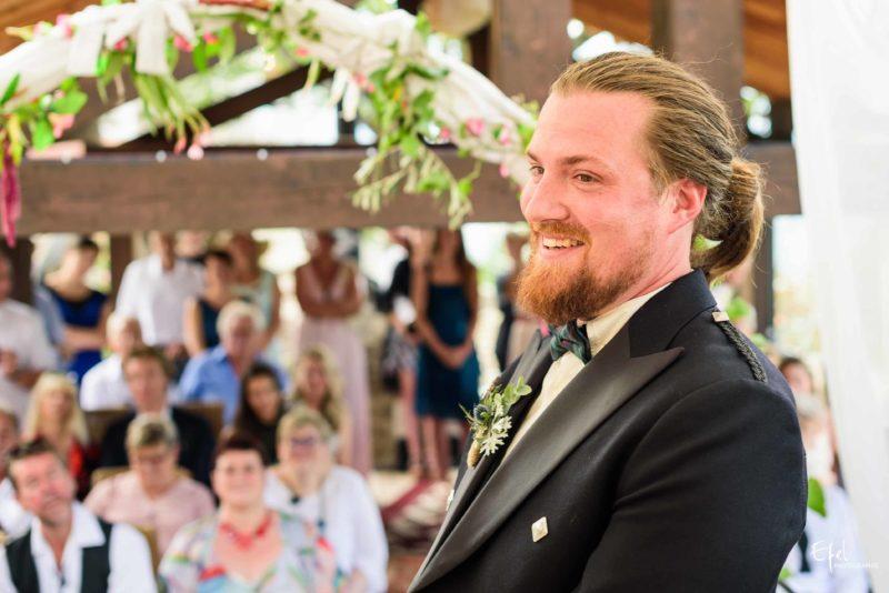 Photo marié heureux, photographe mariage hautes alpes