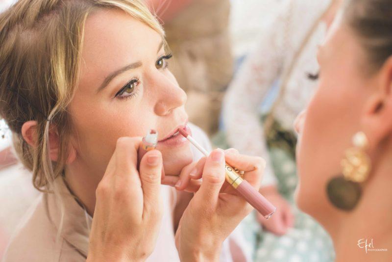 photos préparatifs maquillage de la mariée reportage de mariage dans les Hautes Alpes et région PACA
