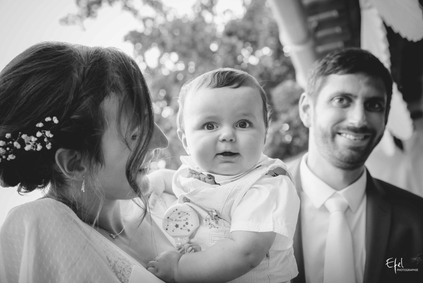 Les mariés et leur bébé - mariage gap, mariage embrun, mariage briançon