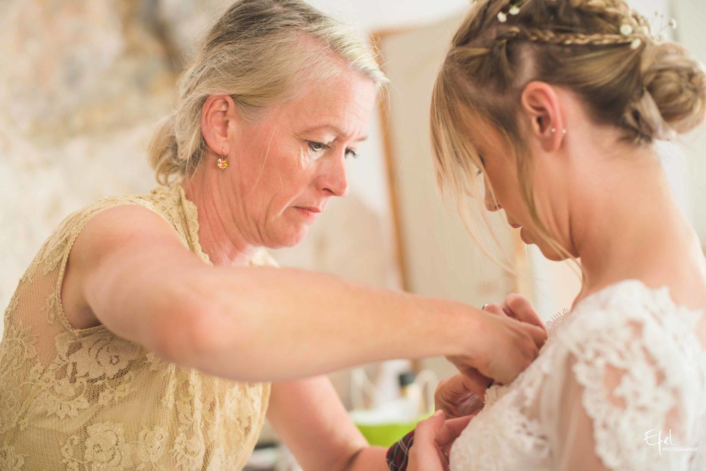 La mariée s'habille - reportage de mariage alpes maritimes
