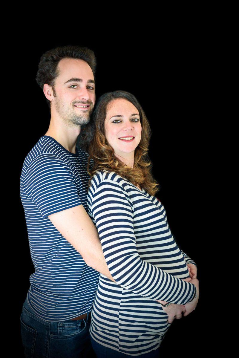 photo maternité en studio à gap avec marinières