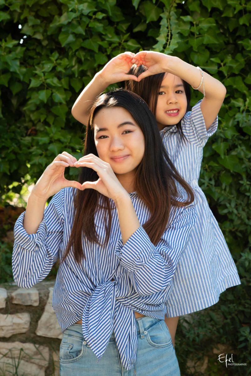 Séance photo famille vence deux soeurs