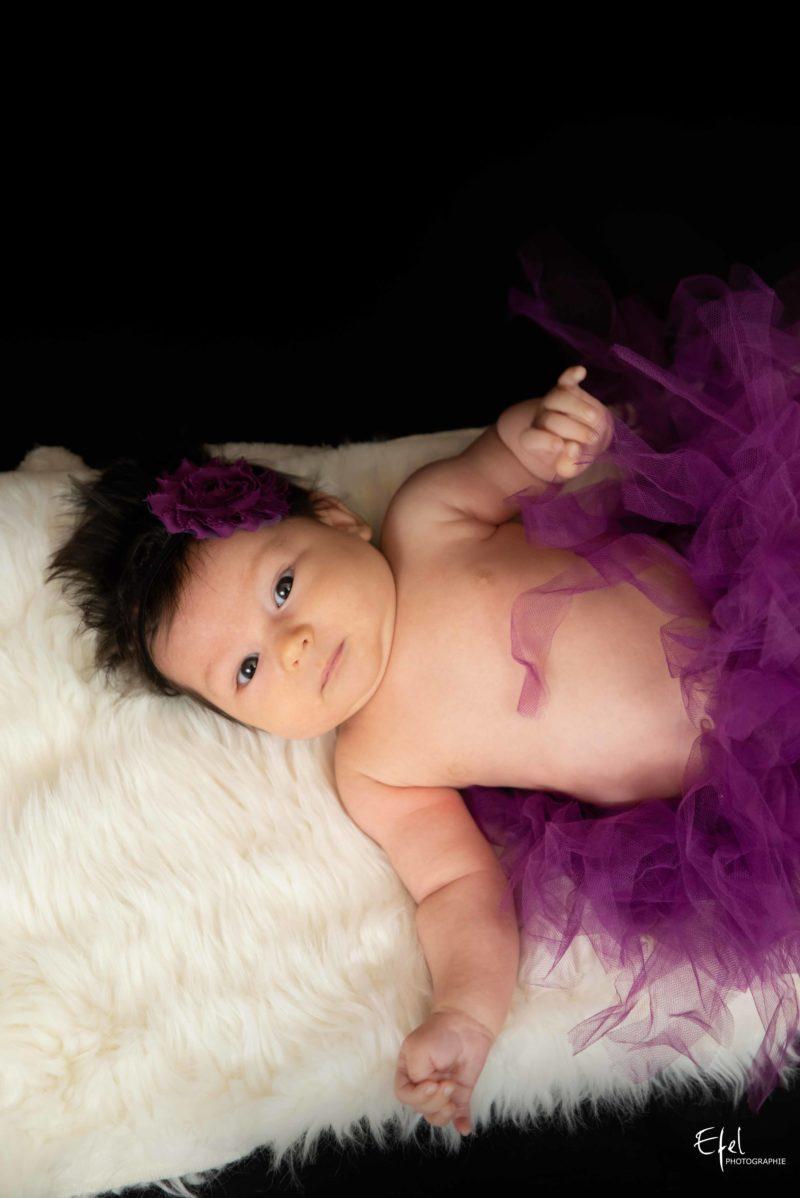 Bébé fille de 2 mois séance photo photographe veines