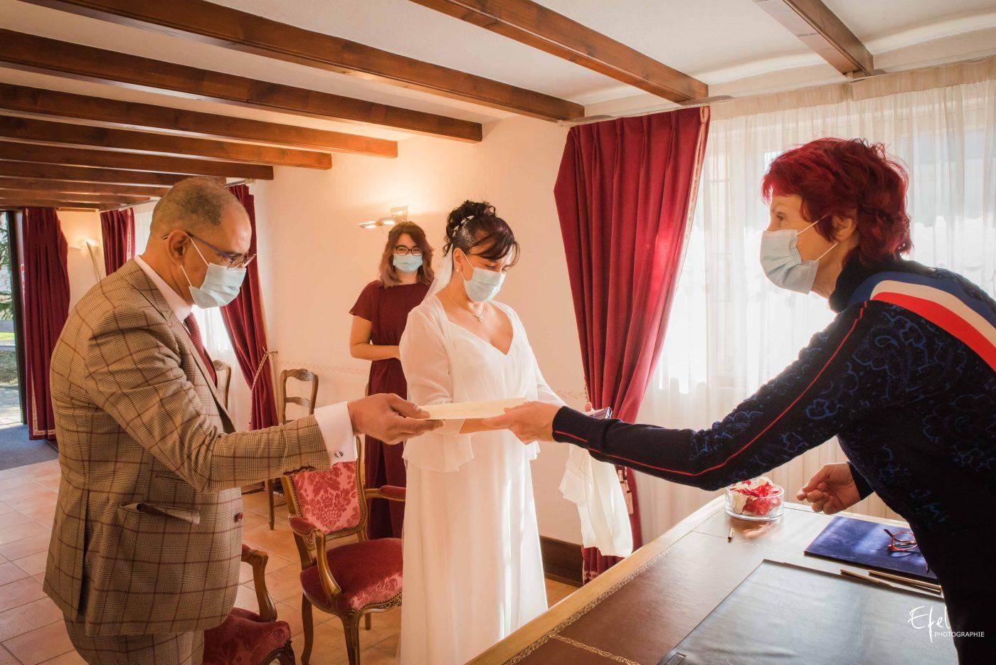 Mariage gap mairie remise des livrets de famille