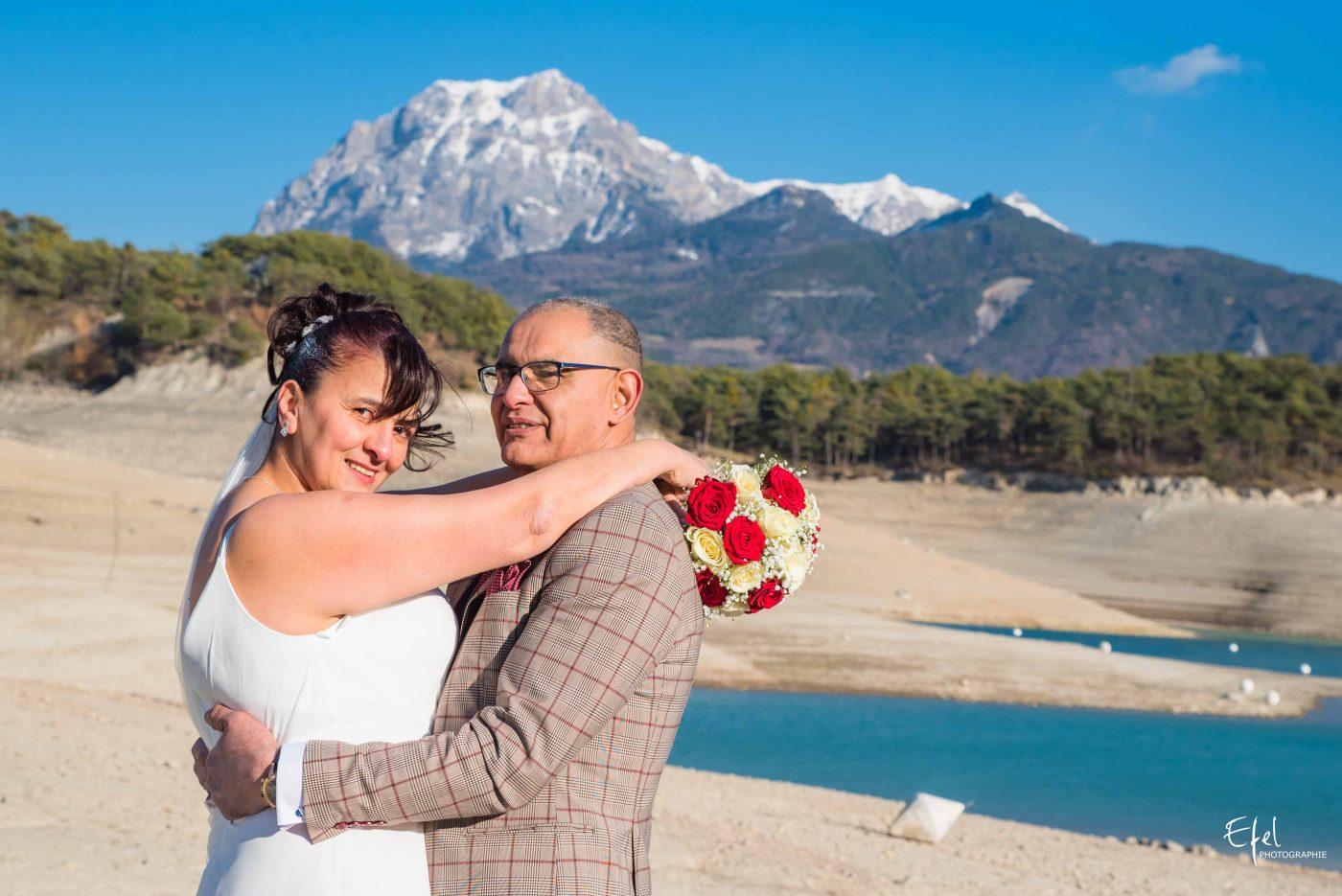shooting des mariés en extérieur photographe gap