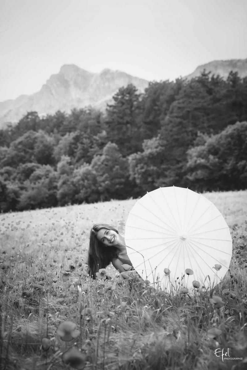 photo champs de coquelicots seance photo hautes alpes